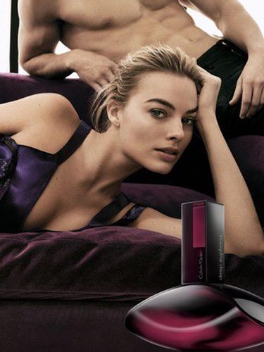 La actriz Margot Robbie protagoniza la campaña de 'Deep Euphoria', la nueva fragancia de Calvin Klein