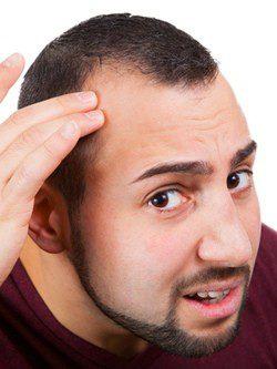 La máscara para el crecimiento de los cabello para la reconstitución