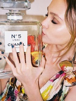 Lily Rose Depp, imagen de Chanel nº 5