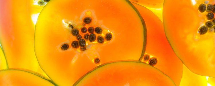 La papaya sirve para combatir desde el acné hasta la celulitis