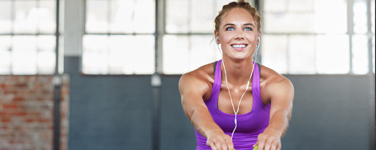 No necesitas más que tu salón para realizar estos ejercicios