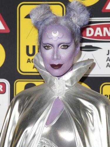 Leona Lewis deslumbra en Halloween con un look de alien