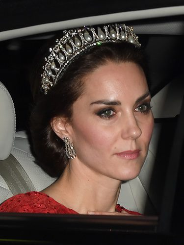 Kate Middleton llevando una espectacular tiara