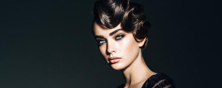 Con la cera puedes conseguir un efecto mojado en tu peinado