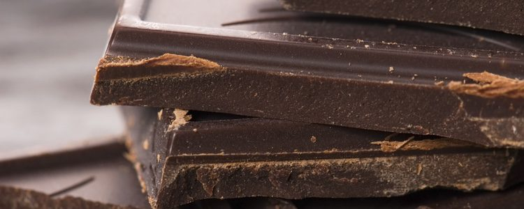 Ten claro como quieres que quede tu cabello y usa el chocolate que más te convenga