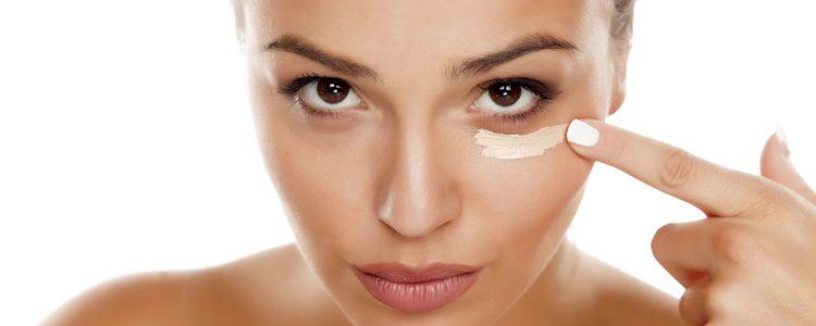 El maquillaje debe adaptarse al tono de piel, textura del cutis y a los rasgos particulares de cada una