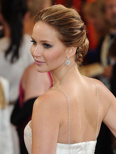 Jennifer Lawrence con moño bajo