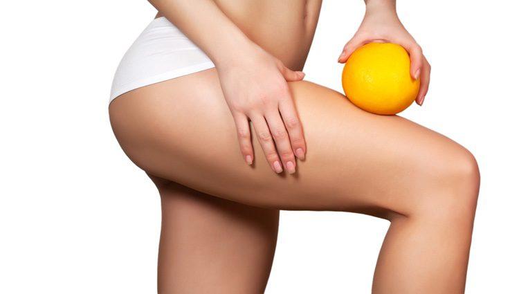 La naranja es un muy buen exfoliaste para la piel.
