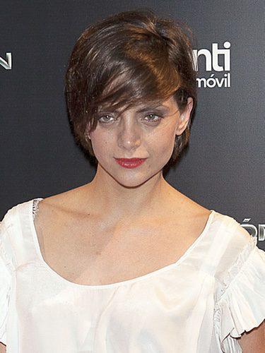 Macarena Goméz con pelo corto y flequillo lateral