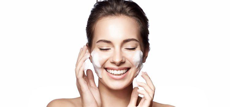 Cuida tu piel para alargar la juventud de tu rostro
