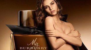 Lily James, imagen de la nueva fragancia 'My Burberry Black'